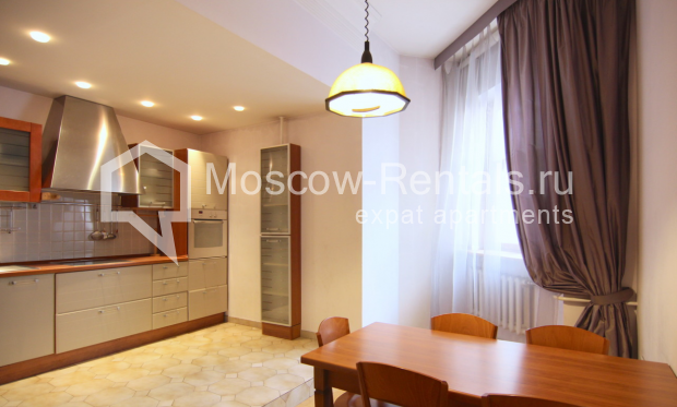 """Photo #2 4-room (3 BR) apartment <u>for a long-term rent</u> (<a href=""""http://moscow-rentals.ru/en/articles/long-term-rent"""" target=""""_blank"""">FAQ</a>)    in Russia, Moscow, Poslednyi lane, 13"""