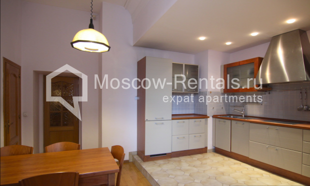 """Photo #3 4-room (3 BR) apartment <u>for a long-term rent</u> (<a href=""""http://moscow-rentals.ru/en/articles/long-term-rent"""" target=""""_blank"""">FAQ</a>)    in Russia, Moscow, Poslednyi lane, 13"""