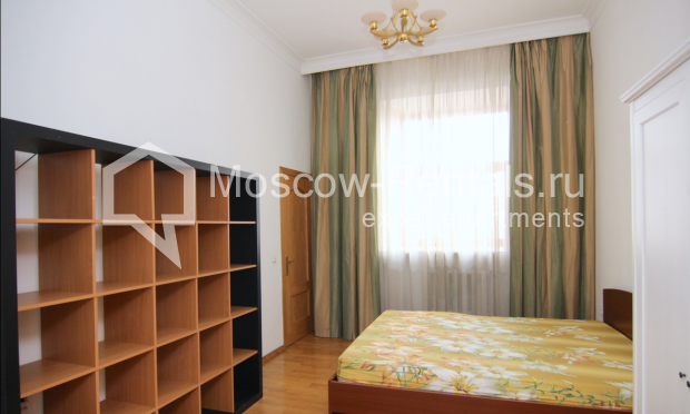 """Photo #8 4-room (3 BR) apartment <u>for a long-term rent</u> (<a href=""""http://moscow-rentals.ru/en/articles/long-term-rent"""" target=""""_blank"""">FAQ</a>)    in Russia, Moscow, Poslednyi lane, 13"""