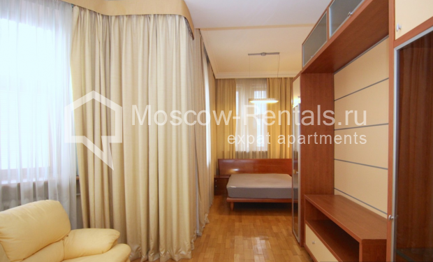 """Photo #12 4-room (3 BR) apartment <u>for a long-term rent</u> (<a href=""""http://moscow-rentals.ru/en/articles/long-term-rent"""" target=""""_blank"""">FAQ</a>)    in Russia, Moscow, Poslednyi lane, 13"""