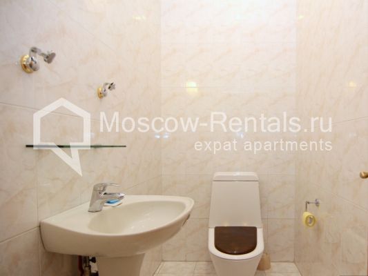 """Photo #20 4-room (3 BR) apartment <u>for a long-term rent</u> (<a href=""""http://moscow-rentals.ru/en/articles/long-term-rent"""" target=""""_blank"""">FAQ</a>)    in Russia, Moscow, Poslednyi lane, 13"""