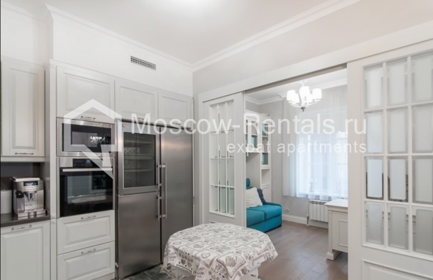 """Photo #9 4-room (3 BR) apartment for <a href=""""http://moscow-rentals.ru/en/articles/long-term-rent"""" target=""""_blank"""">a long-term</a> rent  in Russia, Moscow, Mytnaya str, 7с1"""