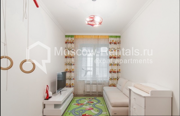 """Photo #13 4-room (3 BR) apartment for <a href=""""http://moscow-rentals.ru/en/articles/long-term-rent"""" target=""""_blank"""">a long-term</a> rent  in Russia, Moscow, Mytnaya str, 7с1"""