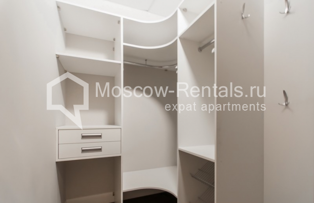 """Photo #18 4-room (3 BR) apartment for <a href=""""http://moscow-rentals.ru/en/articles/long-term-rent"""" target=""""_blank"""">a long-term</a> rent  in Russia, Moscow, Mytnaya str, 7с1"""