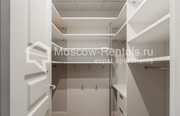 """Photo #20 4-room (3 BR) apartment for <a href=""""http://moscow-rentals.ru/en/articles/long-term-rent"""" target=""""_blank"""">a long-term</a> rent  in Russia, Moscow, Mytnaya str, 7с1"""
