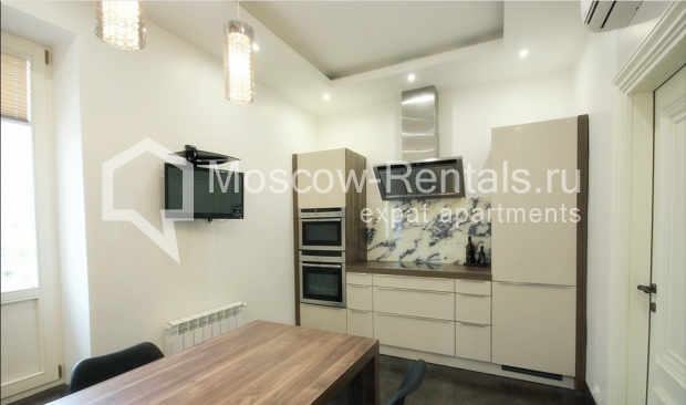 "Photo #1 3-room (2 BR) apartment for <a href=""http://moscow-rentals.ru/en/articles/long-term-rent"" target=""_blank"">a long-term</a> rent  in Russia, Moscow, Pushkarev lane, 16"