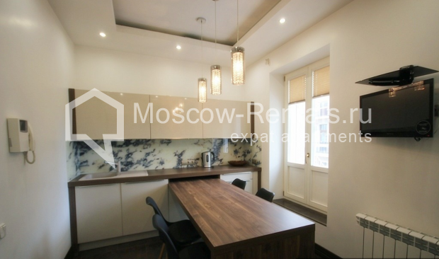 "Photo #2 3-room (2 BR) apartment for <a href=""http://moscow-rentals.ru/en/articles/long-term-rent"" target=""_blank"">a long-term</a> rent  in Russia, Moscow, Pushkarev lane, 16"
