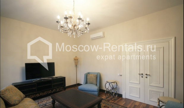 "Photo #7 3-room (2 BR) apartment for <a href=""http://moscow-rentals.ru/en/articles/long-term-rent"" target=""_blank"">a long-term</a> rent  in Russia, Moscow, Pushkarev lane, 16"