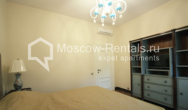 "Photo #9 3-room (2 BR) apartment for <a href=""http://moscow-rentals.ru/en/articles/long-term-rent"" target=""_blank"">a long-term</a> rent  in Russia, Moscow, Pushkarev lane, 16"