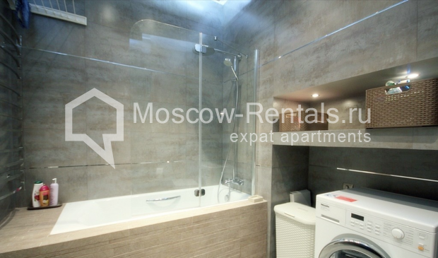 "Photo #12 3-room (2 BR) apartment for <a href=""http://moscow-rentals.ru/en/articles/long-term-rent"" target=""_blank"">a long-term</a> rent  in Russia, Moscow, Pushkarev lane, 16"