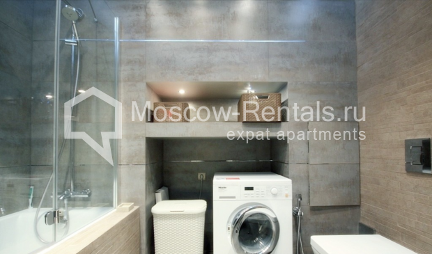 "Photo #13 3-room (2 BR) apartment for <a href=""http://moscow-rentals.ru/en/articles/long-term-rent"" target=""_blank"">a long-term</a> rent  in Russia, Moscow, Pushkarev lane, 16"