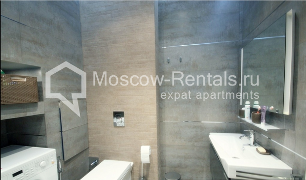 "Photo #14 3-room (2 BR) apartment for <a href=""http://moscow-rentals.ru/en/articles/long-term-rent"" target=""_blank"">a long-term</a> rent  in Russia, Moscow, Pushkarev lane, 16"