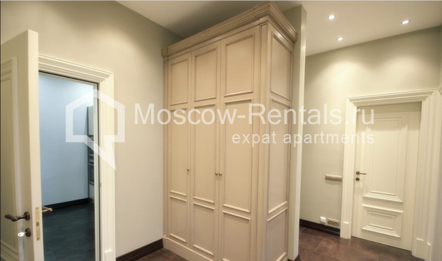 "Photo #16 3-room (2 BR) apartment for <a href=""http://moscow-rentals.ru/en/articles/long-term-rent"" target=""_blank"">a long-term</a> rent  in Russia, Moscow, Pushkarev lane, 16"