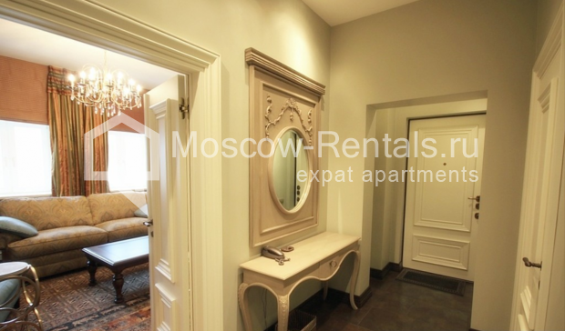 "Photo #18 3-room (2 BR) apartment for <a href=""http://moscow-rentals.ru/en/articles/long-term-rent"" target=""_blank"">a long-term</a> rent  in Russia, Moscow, Pushkarev lane, 16"