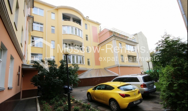 "Photo #21 3-room (2 BR) apartment for <a href=""http://moscow-rentals.ru/en/articles/long-term-rent"" target=""_blank"">a long-term</a> rent  in Russia, Moscow, Pushkarev lane, 16"
