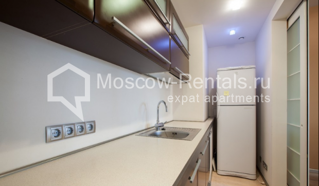 "Photo #5 3-room (2 BR) apartment for <a href=""http://moscow-rentals.ru/en/articles/long-term-rent"" target=""_blank"">a long-term</a> rent  in Russia, Moscow, Komsomolsky prospect, 32 К 2"