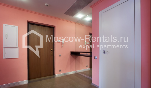 "Photo #7 3-room (2 BR) apartment for <a href=""http://moscow-rentals.ru/en/articles/long-term-rent"" target=""_blank"">a long-term</a> rent  in Russia, Moscow, Komsomolsky prospect, 32 К 2"