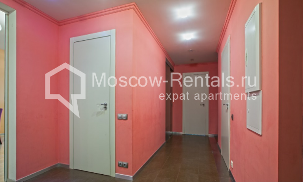 "Photo #8 3-room (2 BR) apartment for <a href=""http://moscow-rentals.ru/en/articles/long-term-rent"" target=""_blank"">a long-term</a> rent  in Russia, Moscow, Komsomolsky prospect, 32 К 2"