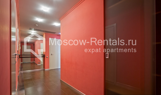 "Photo #9 3-room (2 BR) apartment for <a href=""http://moscow-rentals.ru/en/articles/long-term-rent"" target=""_blank"">a long-term</a> rent  in Russia, Moscow, Komsomolsky prospect, 32 К 2"
