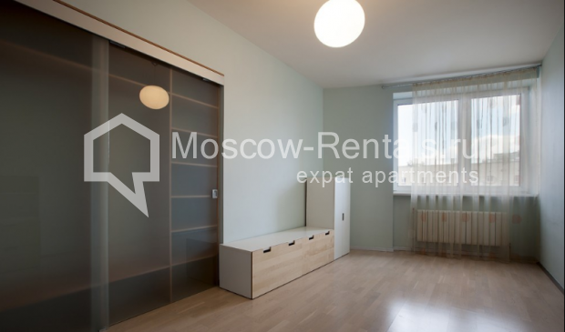 "Photo #15 3-room (2 BR) apartment for <a href=""http://moscow-rentals.ru/en/articles/long-term-rent"" target=""_blank"">a long-term</a> rent  in Russia, Moscow, Komsomolsky prospect, 32 К 2"