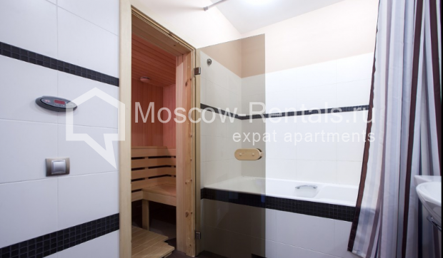 "Photo #22 3-room (2 BR) apartment for <a href=""http://moscow-rentals.ru/en/articles/long-term-rent"" target=""_blank"">a long-term</a> rent  in Russia, Moscow, Komsomolsky prospect, 32 К 2"