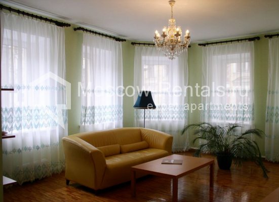 """Photo #1 3-room (2 BR) apartment for <a href=""""http://moscow-rentals.ru/en/articles/long-term-rent"""" target=""""_blank"""">a long-term</a> rent  in Russia, Moscow, Trubnaya str, 22/1"""
