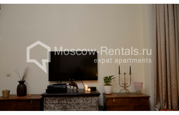 """Photo #4 3-room (2 BR) apartment for <a href=""""http://moscow-rentals.ru/en/articles/long-term-rent"""" target=""""_blank"""">a long-term</a> rent  in Russia, Moscow, Zvonarskyi lane, 1"""