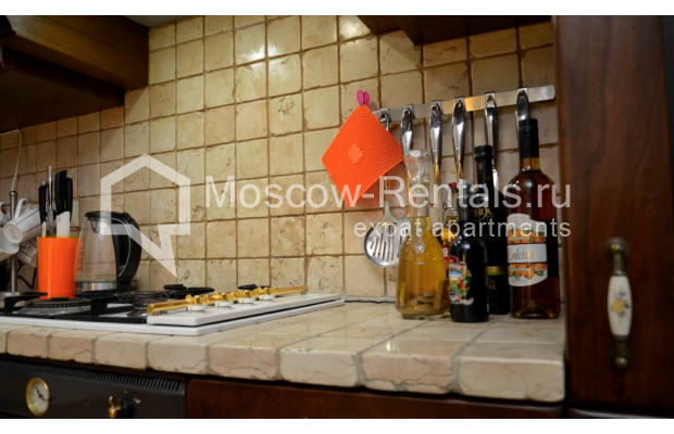 """Photo #6 3-room (2 BR) apartment for <a href=""""http://moscow-rentals.ru/en/articles/long-term-rent"""" target=""""_blank"""">a long-term</a> rent  in Russia, Moscow, Zvonarskyi lane, 1"""