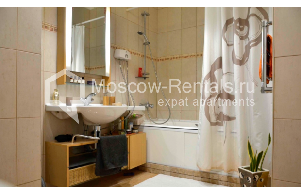"""Photo #10 3-room (2 BR) apartment for <a href=""""http://moscow-rentals.ru/en/articles/long-term-rent"""" target=""""_blank"""">a long-term</a> rent  in Russia, Moscow, Zvonarskyi lane, 1"""
