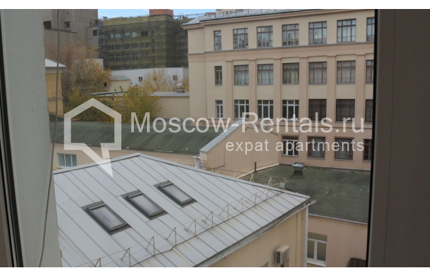 "Photo #25 4-room (3 BR) apartment for <a href=""http://moscow-rentals.ru/en/articles/long-term-rent"" target=""_blank"">a long-term</a> rent  in Russia, Moscow, Petrovka str, 17 С 4"