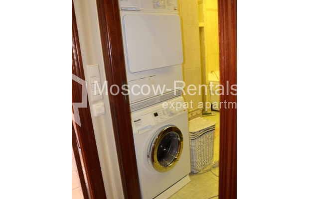 "Photo #15 4-room (3 BR) apartment for <a href=""http://moscow-rentals.ru/en/articles/long-term-rent"" target=""_blank"">a long-term</a> rent  in Russia, Moscow, Petrovka str, 17 С 4"