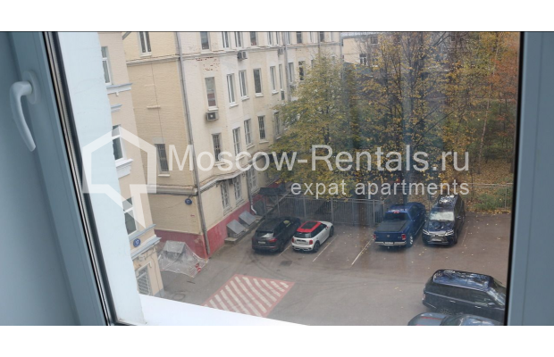 "Photo #26 4-room (3 BR) apartment for <a href=""http://moscow-rentals.ru/en/articles/long-term-rent"" target=""_blank"">a long-term</a> rent  in Russia, Moscow, Petrovka str, 17 С 4"