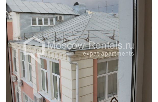"Photo #27 4-room (3 BR) apartment for <a href=""http://moscow-rentals.ru/en/articles/long-term-rent"" target=""_blank"">a long-term</a> rent  in Russia, Moscow, Petrovka str, 17 С 4"