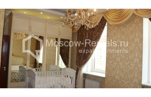 "Photo #7 4-room (3 BR) apartment for <a href=""http://moscow-rentals.ru/en/articles/long-term-rent"" target=""_blank"">a long-term</a> rent  in Russia, Moscow, Petrovka str, 17 С 4"