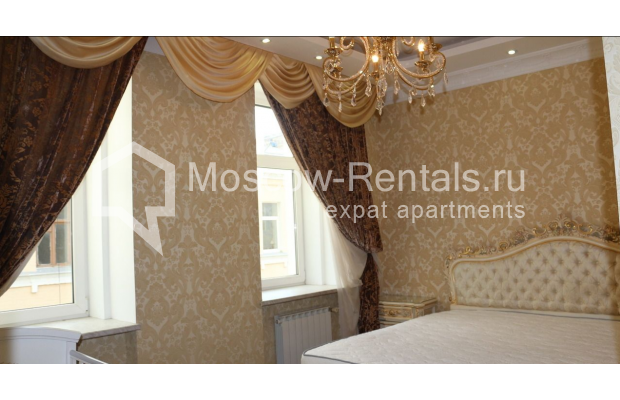 "Photo #6 4-room (3 BR) apartment for <a href=""http://moscow-rentals.ru/en/articles/long-term-rent"" target=""_blank"">a long-term</a> rent  in Russia, Moscow, Petrovka str, 17 С 4"