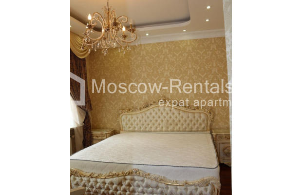 "Photo #5 4-room (3 BR) apartment for <a href=""http://moscow-rentals.ru/en/articles/long-term-rent"" target=""_blank"">a long-term</a> rent  in Russia, Moscow, Petrovka str, 17 С 4"