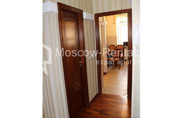 "Photo #17 4-room (3 BR) apartment for <a href=""http://moscow-rentals.ru/en/articles/long-term-rent"" target=""_blank"">a long-term</a> rent  in Russia, Moscow, Petrovka str, 17 С 4"