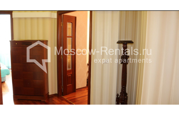 "Photo #21 4-room (3 BR) apartment for <a href=""http://moscow-rentals.ru/en/articles/long-term-rent"" target=""_blank"">a long-term</a> rent  in Russia, Moscow, Petrovka str, 17 С 4"