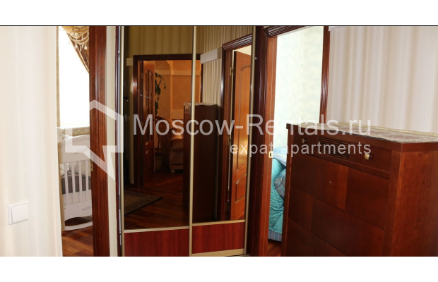 "Photo #22 4-room (3 BR) apartment for <a href=""http://moscow-rentals.ru/en/articles/long-term-rent"" target=""_blank"">a long-term</a> rent  in Russia, Moscow, Petrovka str, 17 С 4"