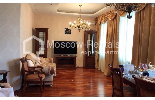 "Photo #4 4-room (3 BR) apartment for <a href=""http://moscow-rentals.ru/en/articles/long-term-rent"" target=""_blank"">a long-term</a> rent  in Russia, Moscow, Petrovka str, 17 С 4"