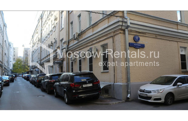 "Photo #31 4-room (3 BR) apartment for <a href=""http://moscow-rentals.ru/en/articles/long-term-rent"" target=""_blank"">a long-term</a> rent  in Russia, Moscow, Petrovka str, 17 С 4"