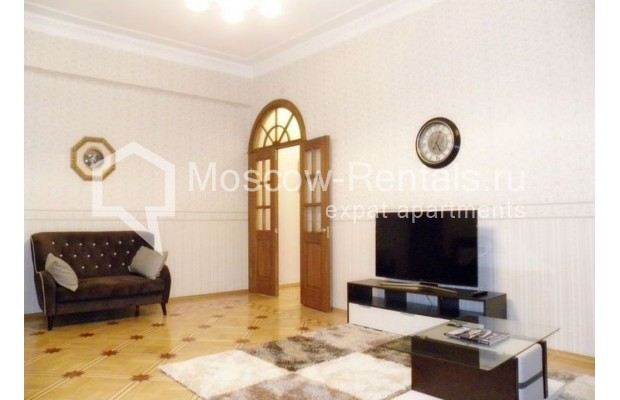 """Photo #3 4-room (3 BR) apartment for <a href=""""http://moscow-rentals.ru/en/articles/long-term-rent"""" target=""""_blank"""">a long-term</a> rent  in Russia, Moscow, Rozhdestvenskyi blv, 19"""