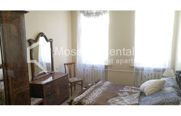 "Photo #8 3-room (2 BR) apartment for <a href=""http://moscow-rentals.ru/en/articles/long-term-rent"" target=""_blank"">a long-term</a> rent  in Russia, Moscow, Kolokolnikov lane, 6 С 1"