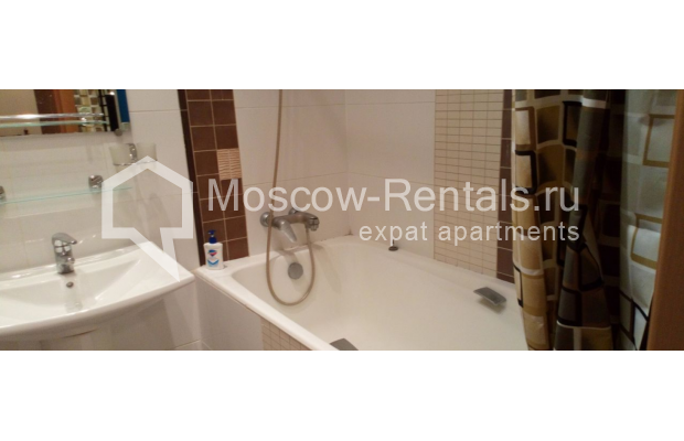 "Photo #10 3-room (2 BR) apartment for <a href=""http://moscow-rentals.ru/en/articles/long-term-rent"" target=""_blank"">a long-term</a> rent  in Russia, Moscow, Kolokolnikov lane, 6 С 1"