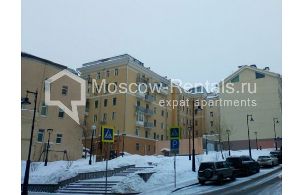 "Photo #13 3-room (2 BR) apartment for <a href=""http://moscow-rentals.ru/en/articles/long-term-rent"" target=""_blank"">a long-term</a> rent  in Russia, Moscow, Kolokolnikov lane, 6 С 1"
