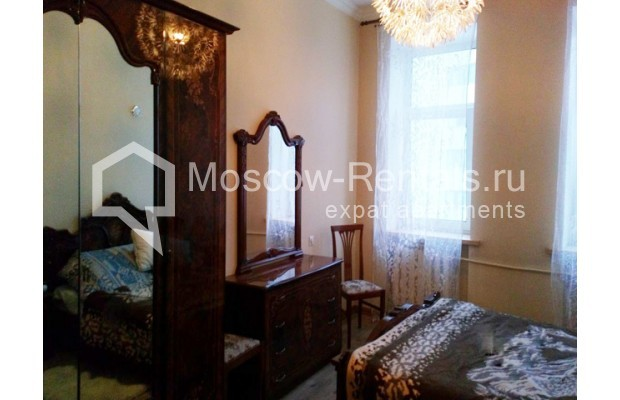 "Photo #7 3-room (2 BR) apartment for <a href=""http://moscow-rentals.ru/en/articles/long-term-rent"" target=""_blank"">a long-term</a> rent  in Russia, Moscow, Kolokolnikov lane, 6 С 1"