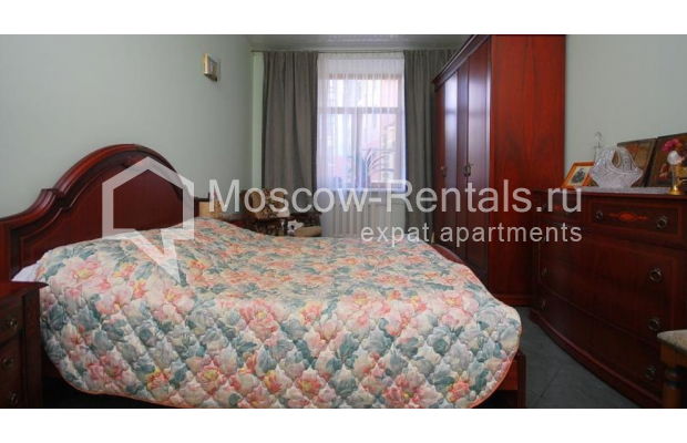 """Photo #4 3-room (2 BR) apartment <u>for a long-term rent</u> (<a href=""""http://moscow-rentals.ru/en/articles/long-term-rent"""" target=""""_blank"""">FAQ</a>)    in Russia, Moscow, Tsvetnoi blv,  22С4"""