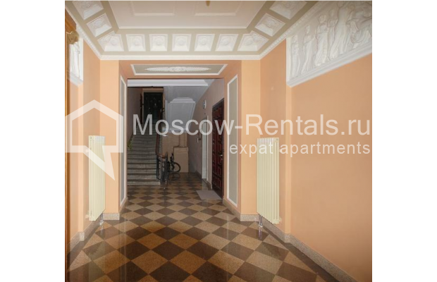 """Photo #9 3-room (2 BR) apartment <u>for a long-term rent</u> (<a href=""""http://moscow-rentals.ru/en/articles/long-term-rent"""" target=""""_blank"""">FAQ</a>)    in Russia, Moscow, Tsvetnoi blv,  22С4"""