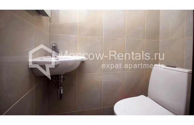 """Photo #8 3-room (2 BR) apartment <u>for a long-term rent</u> (<a href=""""http://moscow-rentals.ru/en/articles/long-term-rent"""" target=""""_blank"""">FAQ</a>)    in Russia, Moscow, Tsvetnoi blv,  22С4"""