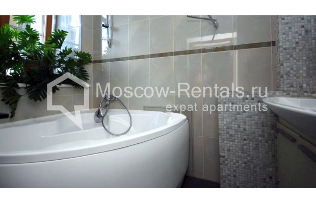 """Photo #7 3-room (2 BR) apartment <u>for a long-term rent</u> (<a href=""""http://moscow-rentals.ru/en/articles/long-term-rent"""" target=""""_blank"""">FAQ</a>)    in Russia, Moscow, Tsvetnoi blv,  22С4"""